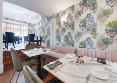 Interior Restaurant Decor